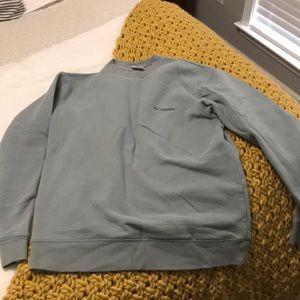 Columbia sweatshirt in a grey/blueish green. Small